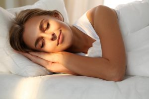 Gesunder Schlaf: 8 Tipps, um Ihre Schlafqualität deutlich zu steigern